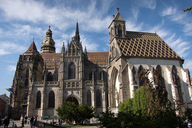 Impsanter St.-Elisabeth-Dom und angrenzende Michaelskapelle in Košice