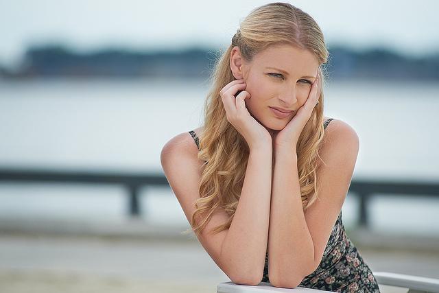 Blonde Osteuropäerin mit schönem Gesicht