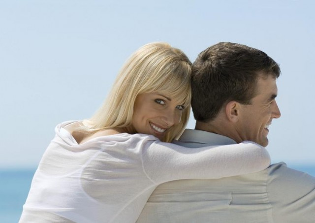 Glückliche Frau aus Osteuropa mit deutschem Mann