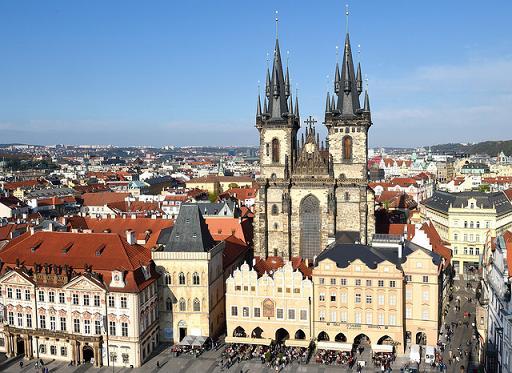 Teynkirche am Altstädter Ring in Prag